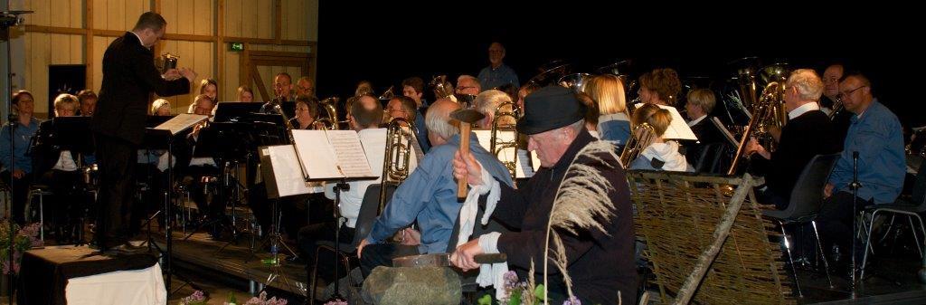 Odense FDF Orkesterog Nenia (og Jens Vejmand) til Carl Nielsen koncert i Bramstrup gods